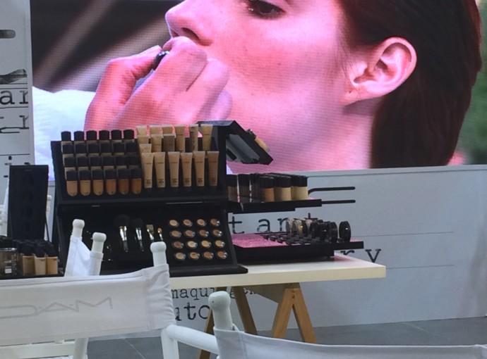 instant artistry evento mac cosmetics