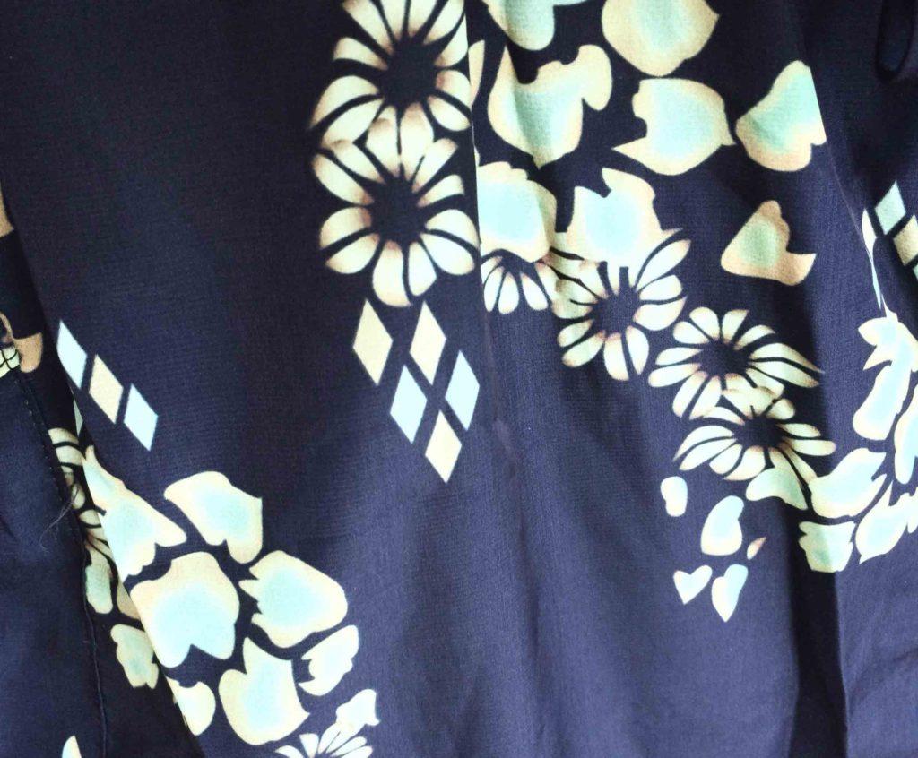 tecido marinho floral