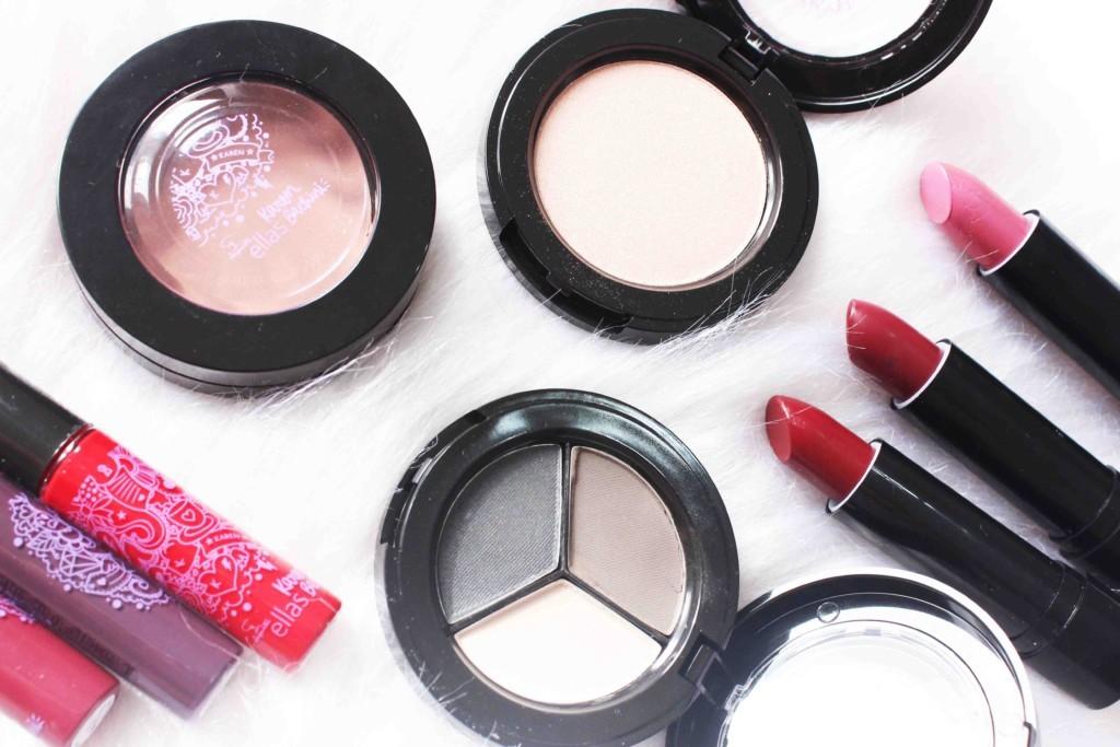 Coleção Karen Bachini Jequiti - maquiagem, batom líquido, batom hidratante, spray de cabelo, delineador em adesivo
