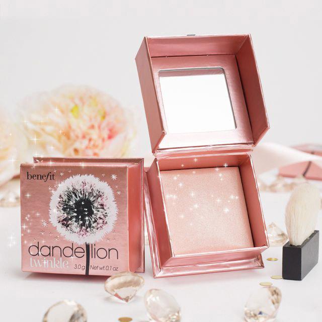 Iluminador em Po Benefit Dandelion Twinkle