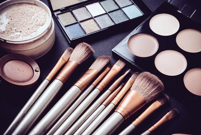 Comprar Maquiagem Black Friday 2017 Netfarma - Promoção em Moda e Beleza