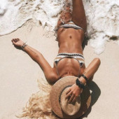 Tendências Moda Praia Verão 2019: os biquínis e maiôs que serão os queridinhos desta temporada